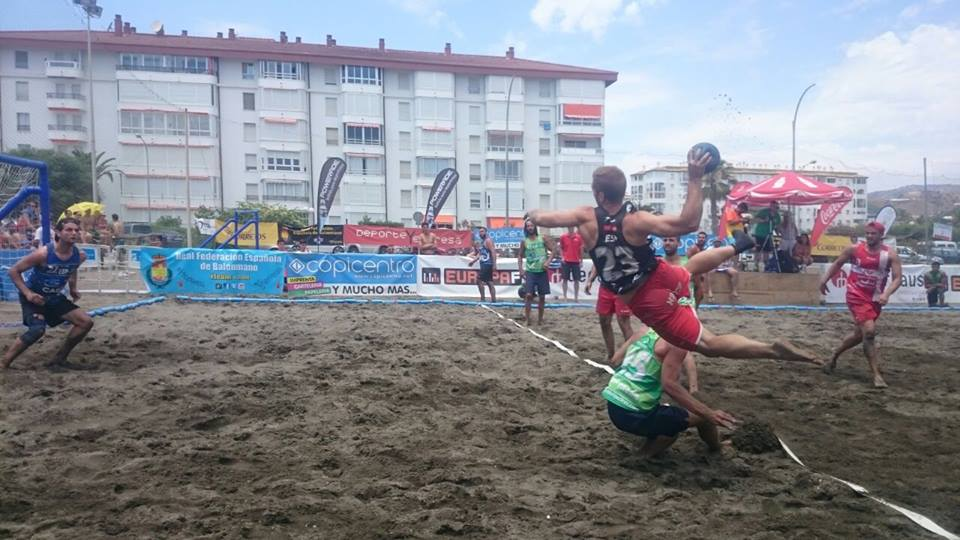 Alcalá y Deporte y Empresa golpean primero